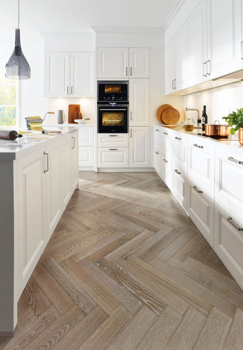 Schuller Traditional Kitchen