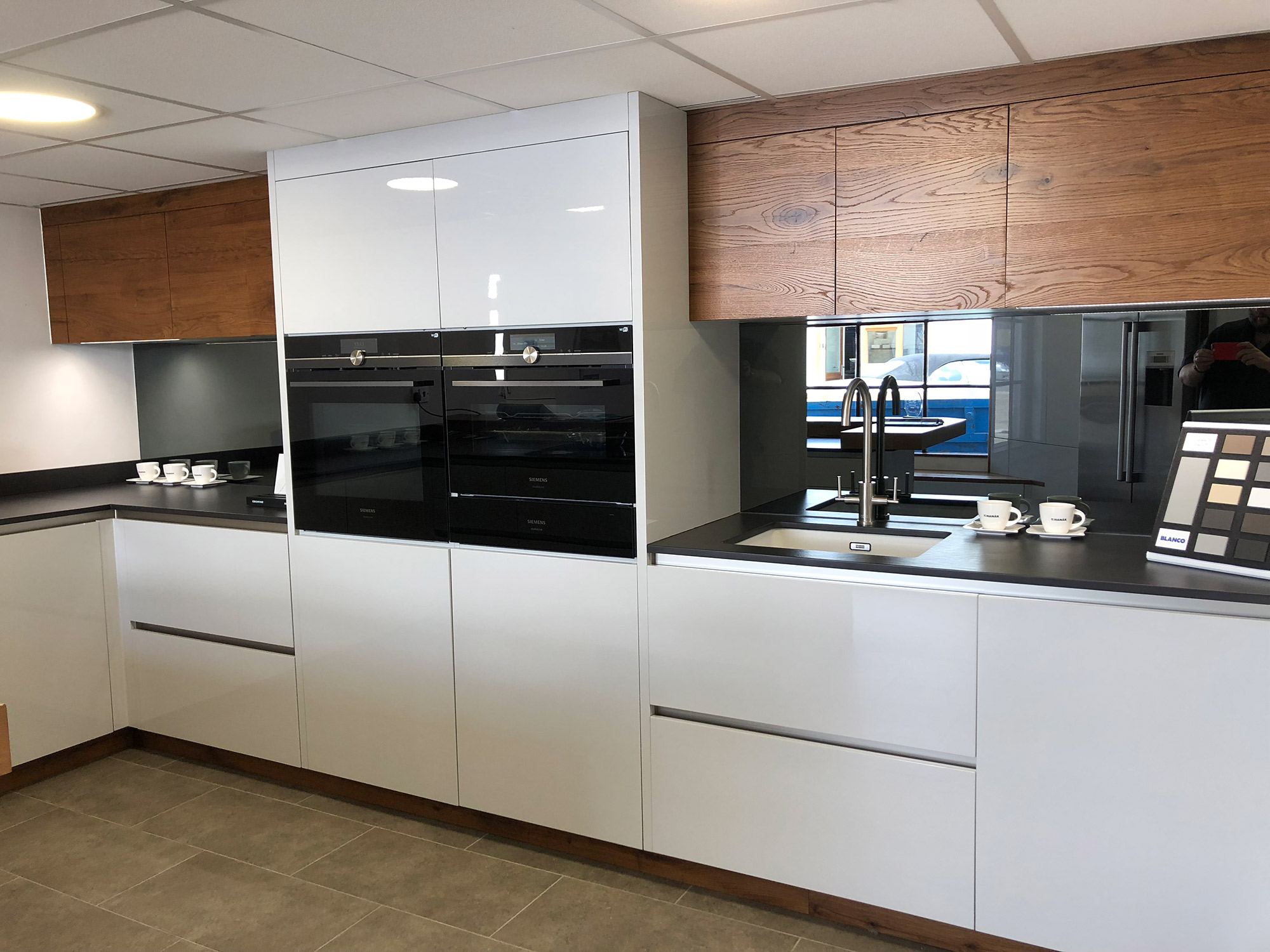 Kitchen Showroom in Benfleet, Essex - Bentons Kitchens on Images Of Modern Kitchens  id=23342