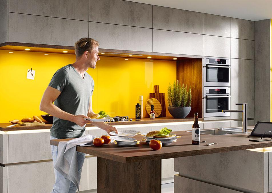 Contemporary Handleless Kitchen