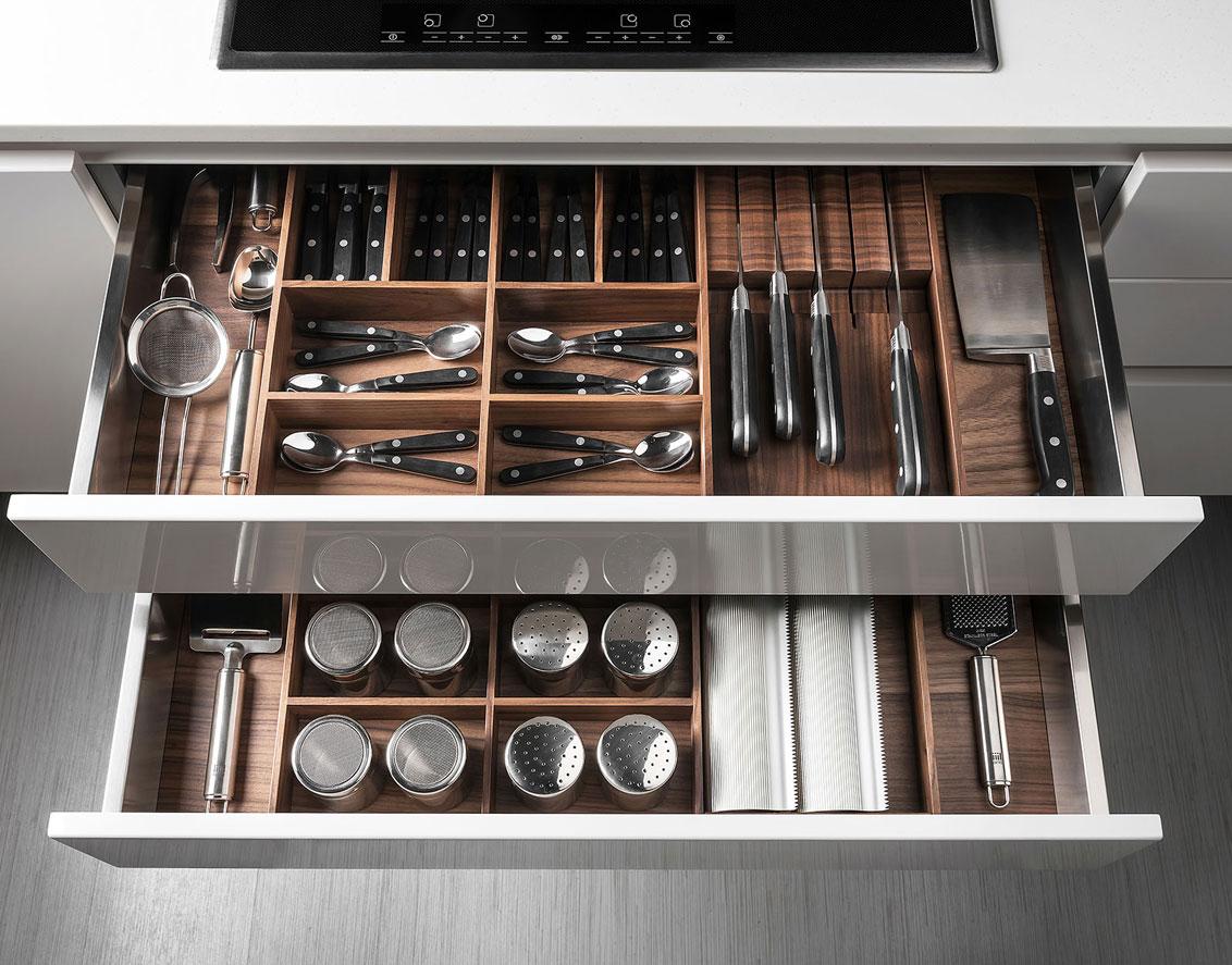 Handleless Kitchen Drawers